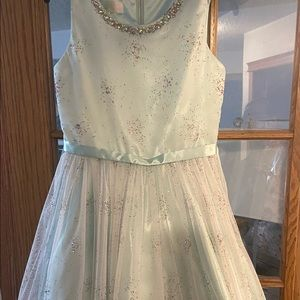 Size 14 beautiful new formal dress